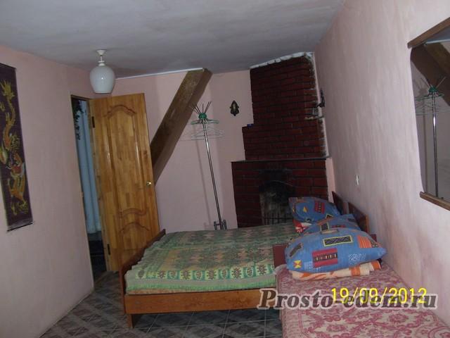 Комната с камином на втором этаже