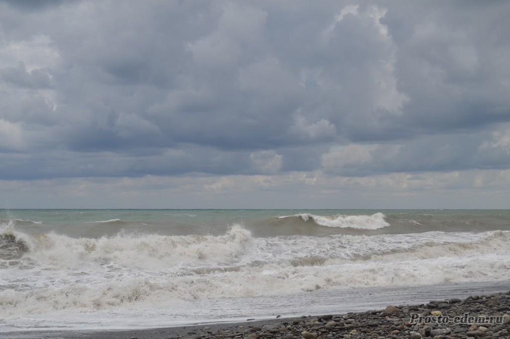 шторм в лазаревском