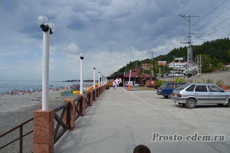 Отель на черном море с детской площадкой