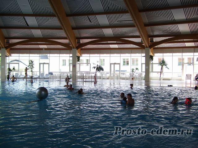 бассейн в Абзаково