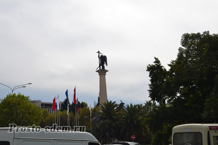 монумент михаила архангела