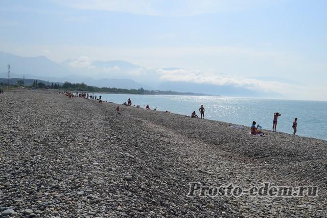 Дикий пляж Нижнеимеретинской бухты