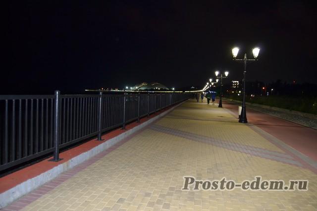 Олимпийская Набережная ночью в Сочи