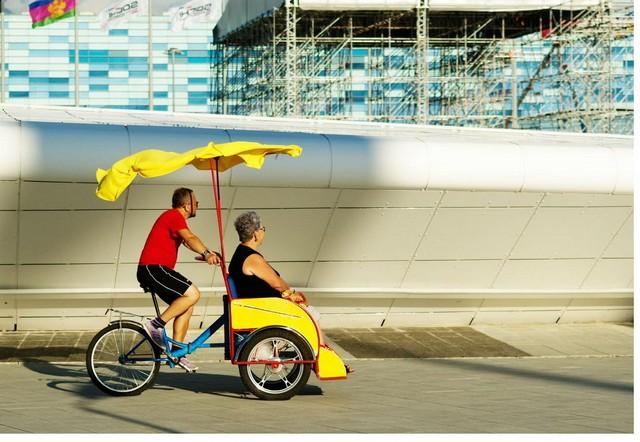 Велорикша в Олимпийском Парке в Сочи