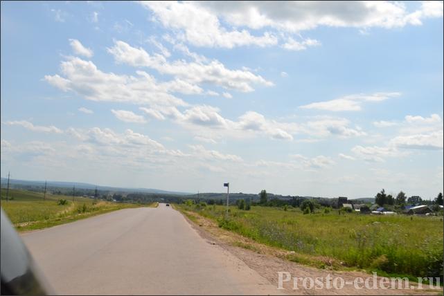 Направо - деревня Кальтовка