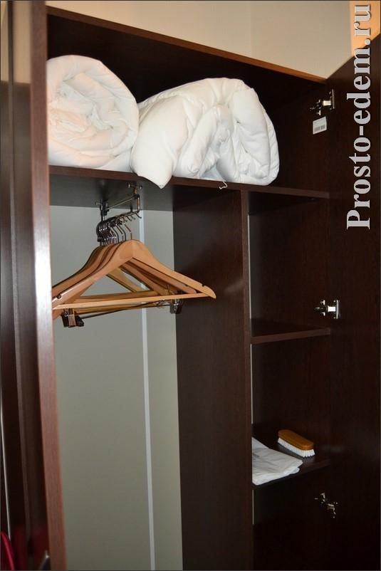 шкаф в 2 местном номере