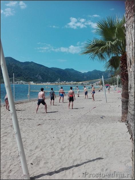 волейбольная площадка в Ичмелере