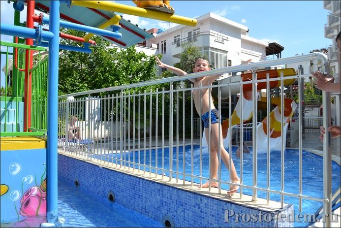 Водные горки в отеле Идеал Панорама Холидей виладж