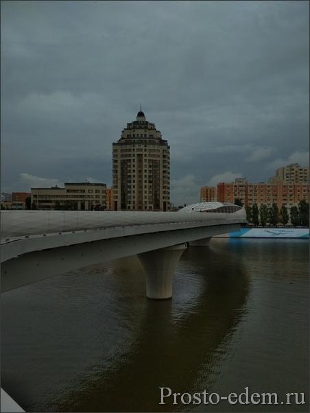 Пешеходный мост через реку Ишим